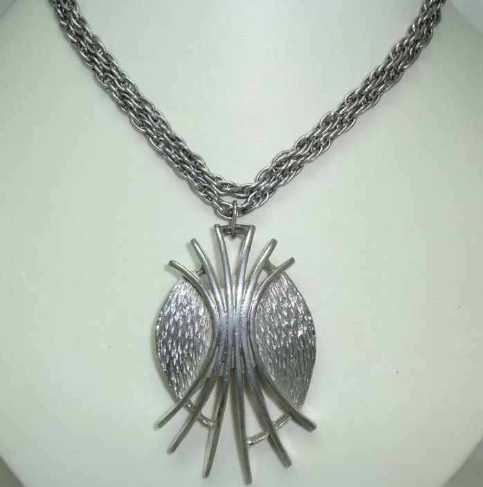 1970s Pendant Necklace